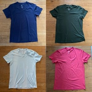 4 gap vintage v-necks. M. Like new. So soft.